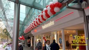 Eröffnung swb Kundencenter in Bremerhaven 13 m Girlande
