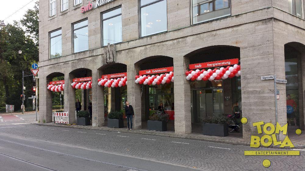 Eröffnung swb-Kundencenter in Bremen 5x3 m Ballongirlande
