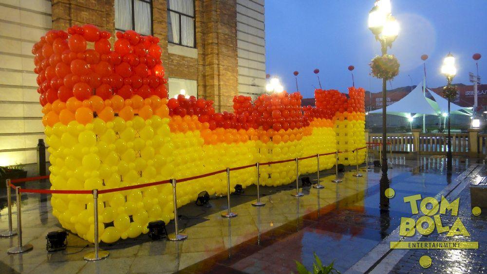 Chinesische Mauer Projekt und Design: Guido Verhoef (www.theartofballoons.com)