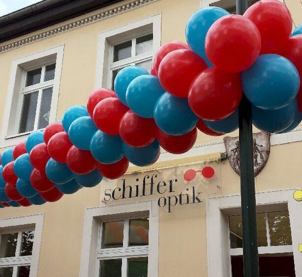 luftballon girlande ballondekorationen. Black Bedroom Furniture Sets. Home Design Ideas
